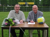 Mammoet Hekwerk sponsort Buitenvolleybaltoernooi voor 5 jaren